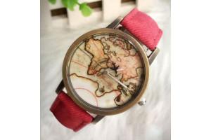 """Наручные кварцевые часы с принтом """"Карта мира"""""""