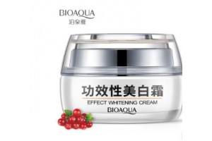 BioAqua Effect Whitening Cream крем для лица отбеливающий с клюквой